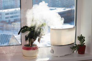 Humidifier une chambre en hiver Utilisez un humidificateur à vapeur chaude