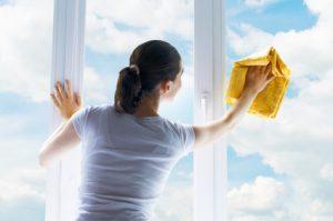 Le vinaigre blanc pour bien laver les vitres