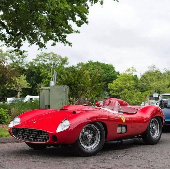 Ferrari 335 Sport Scaglietti - 35 700 000 dollars (29966401,50 €)