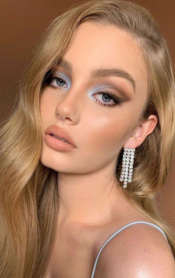 maquillage pour les yeux bleus