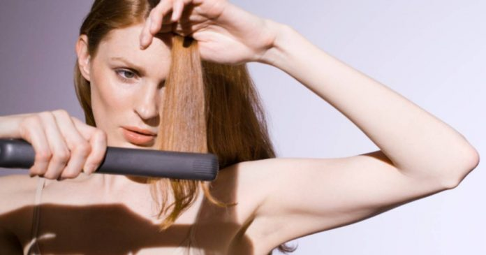 5 Effets secondaires terribles du lissage des cheveux que vous devez savoir