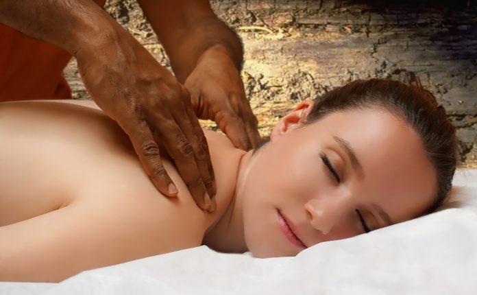 massage-erotique-paris